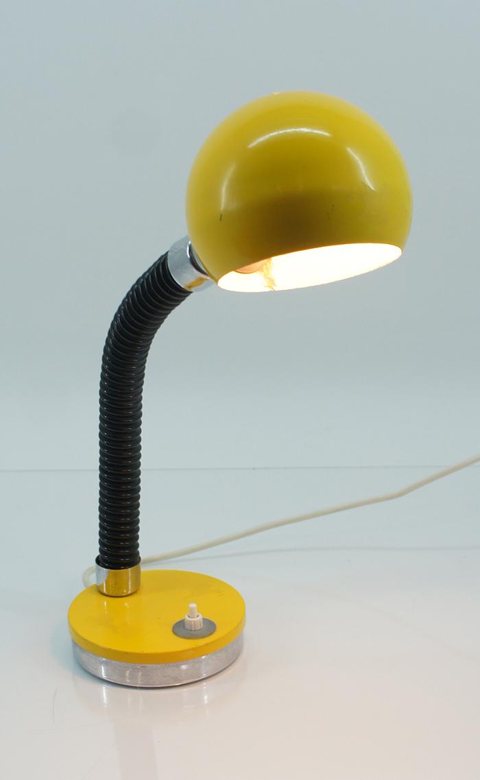 70er jahre schreibtischlampe tischlampe schwanenhals gelb. Black Bedroom Furniture Sets. Home Design Ideas