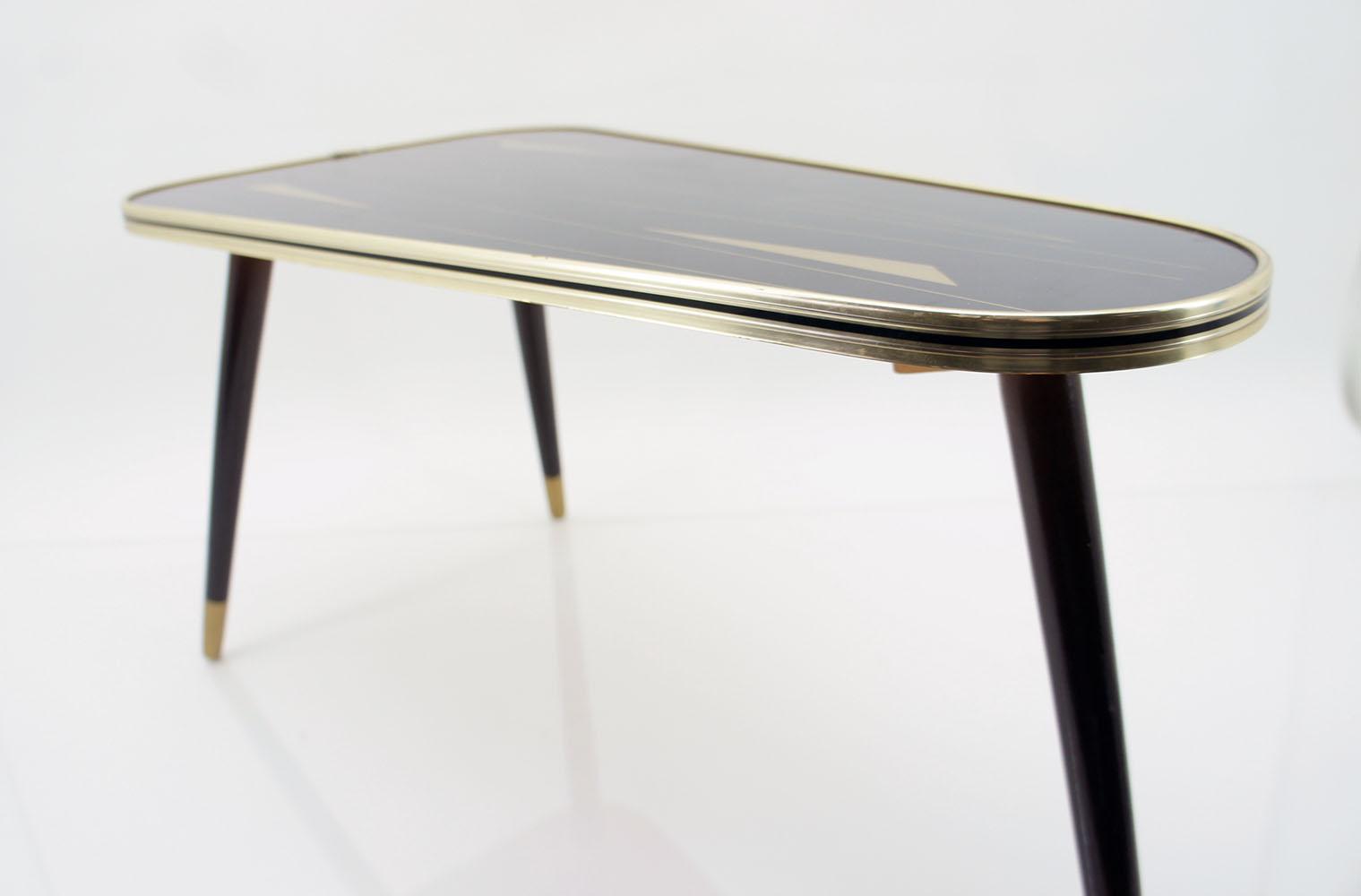 60er jahre nierentisch dreieckstisch tisch sputnik panton. Black Bedroom Furniture Sets. Home Design Ideas