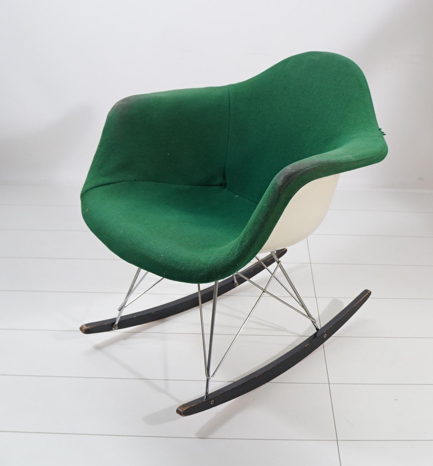 hermann miller charles eames schaukelstuhl rocker rocking chair. Black Bedroom Furniture Sets. Home Design Ideas