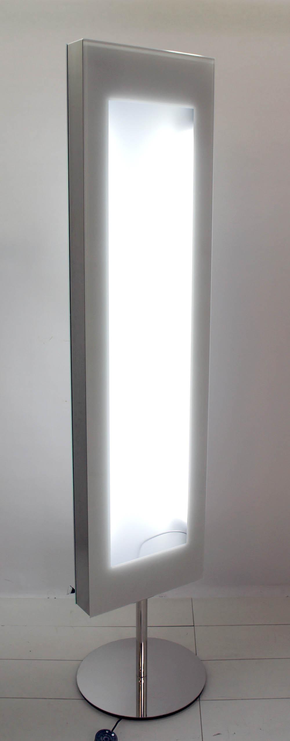 YA_070617_36570--1- Elegantes Spiegel Mit Indirekter Beleuchtung Dekorationen