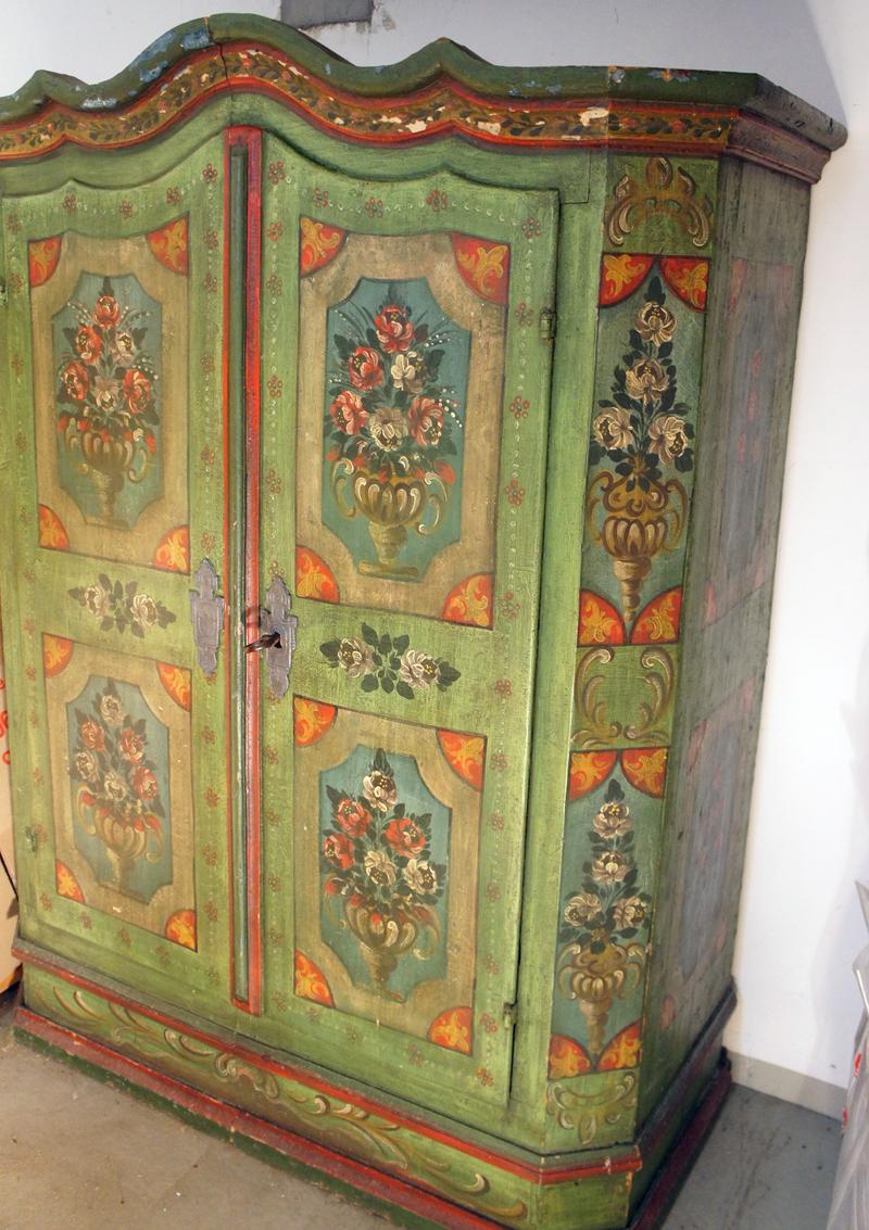 orignial bauernschrank von 1780 dielenschrank gewandschrank bemalt 186x65x143 cm ebay. Black Bedroom Furniture Sets. Home Design Ideas