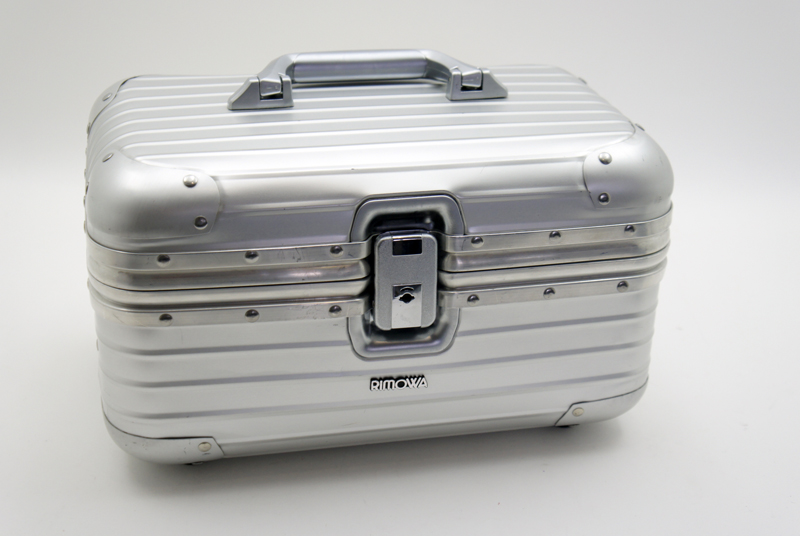 rimowa topas beauty case kosmetikkoffer schminkkoffer aluminium ebay. Black Bedroom Furniture Sets. Home Design Ideas