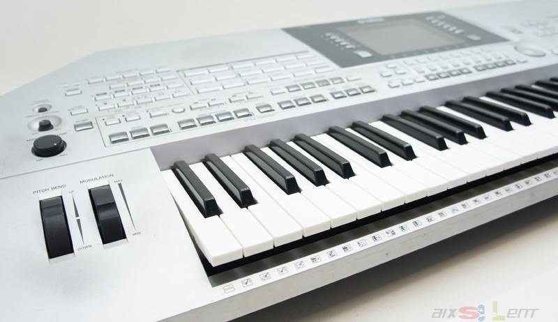 yamaha tyros 2 ii keyboard piano inkl ca 150 midis. Black Bedroom Furniture Sets. Home Design Ideas